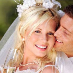 Perfect your teeth in just a few months before your wedding with Incognito Braces!